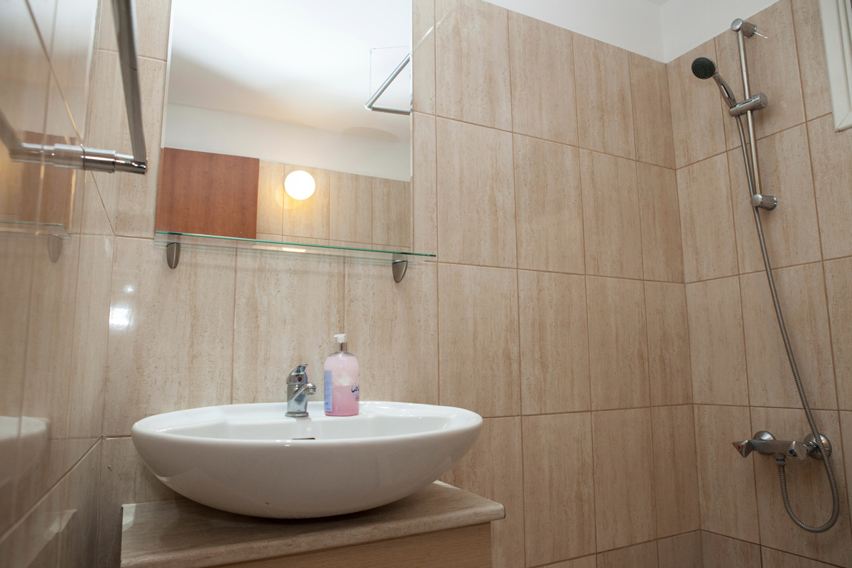 bathroom - alecos hotel apartment paphos