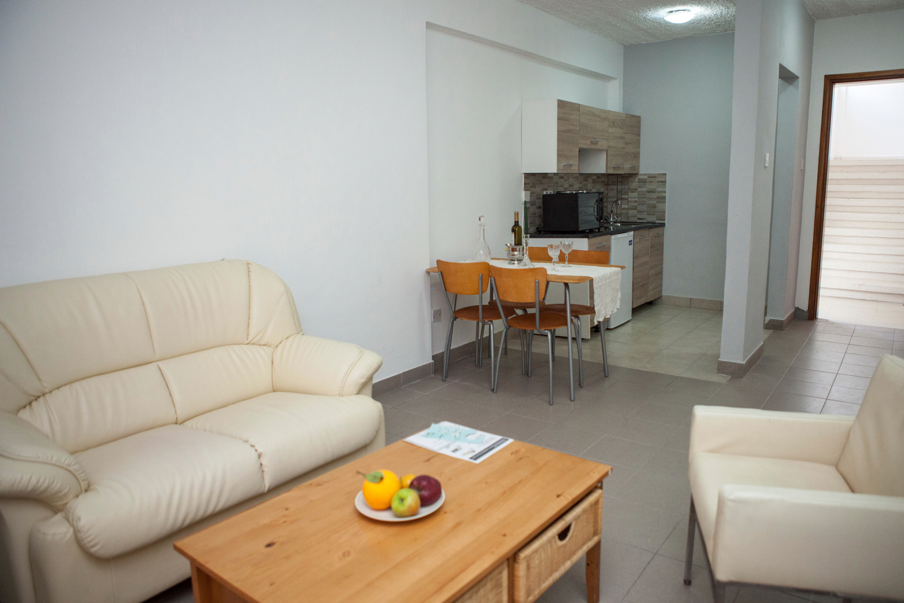paphos hotel apartment salon