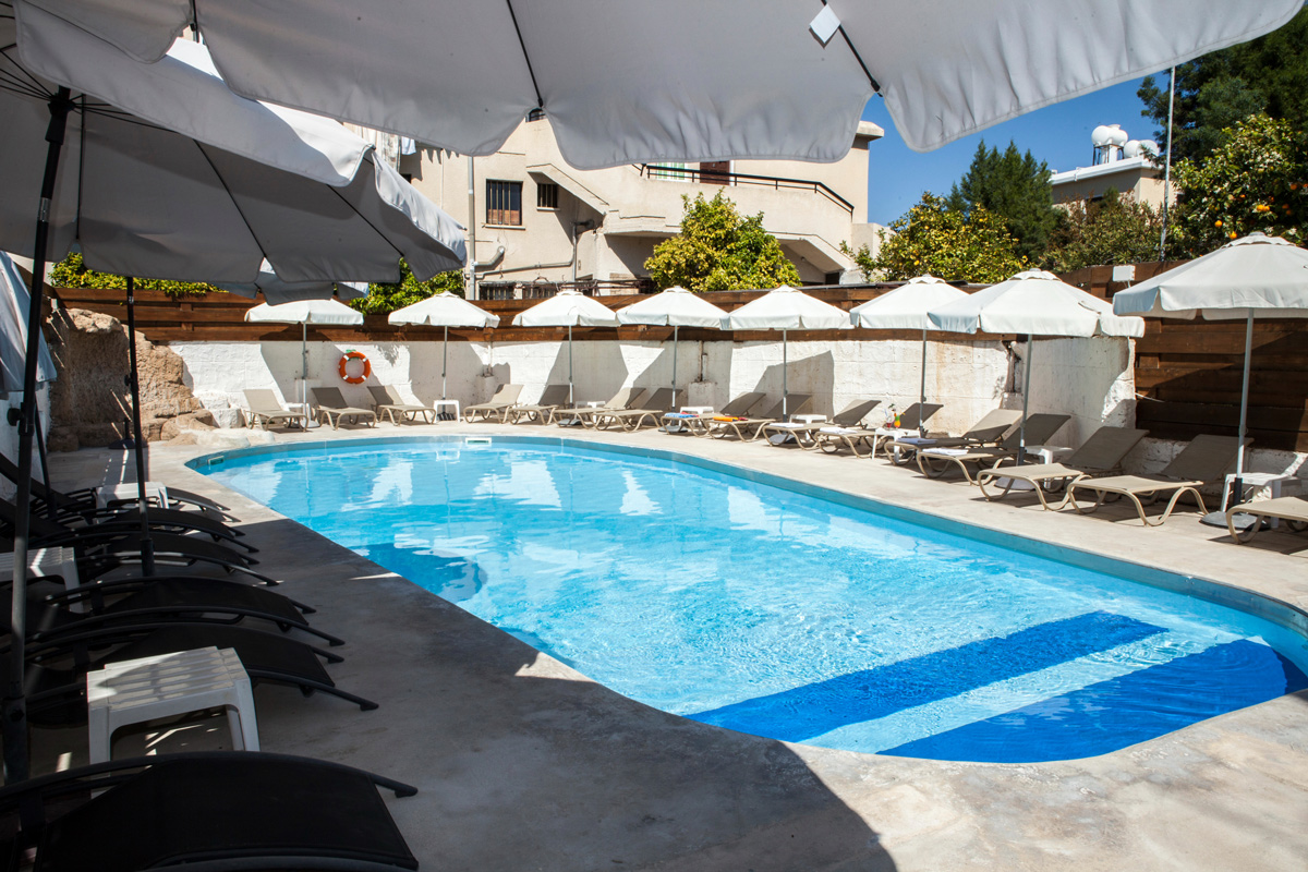 Alecos hotel apartments paphos - swimming pool view