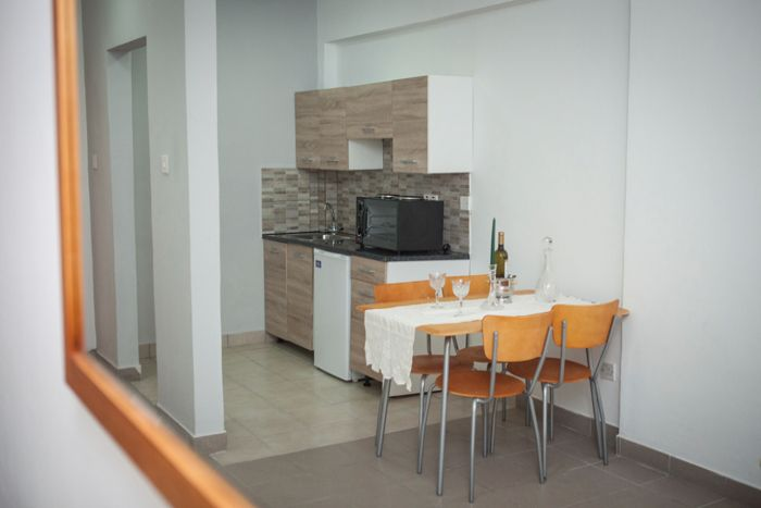Alecos hotel apartments Paphos kitchen